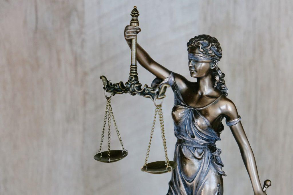 Jak sądy traktują sprawy frankowiczów?